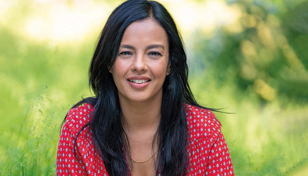 liz bonnin planet earth
