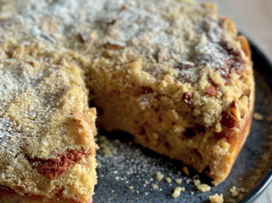 Rhubarb & Custard Crumble Cake